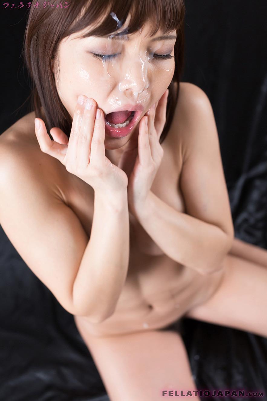 Сперма на лицах молодых японок