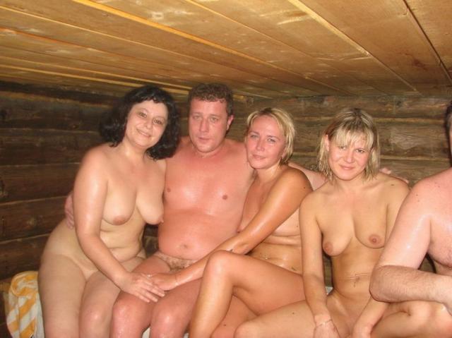 Приятный секс в баньке не помешает париться